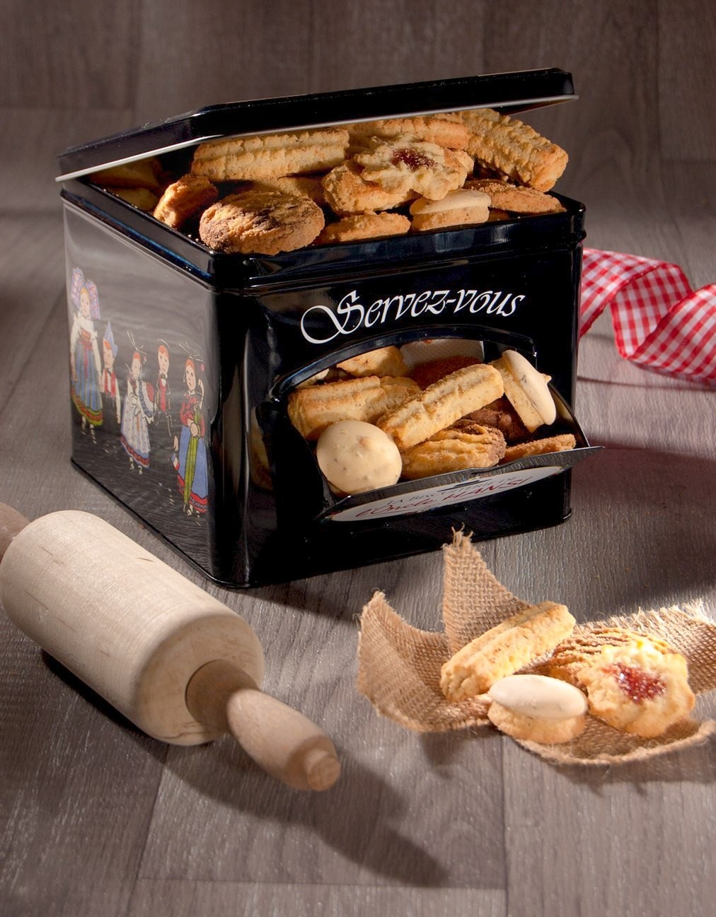 Boite distributrice noire Biscuiterie Oncle Hansi garnie gâteaux