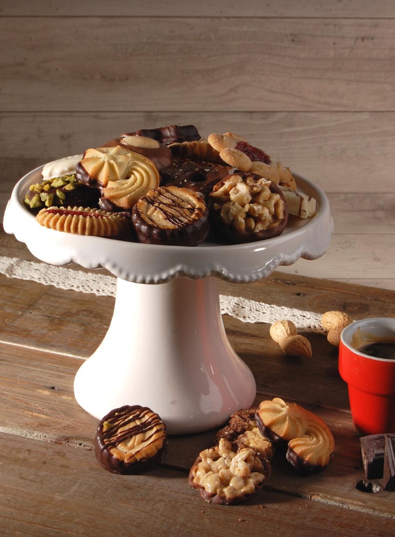 Assiette de petits gâteaux et pains d'épices